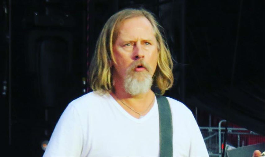 Jerry Cantrell Of Alice In Chains Streams His Solo Song From