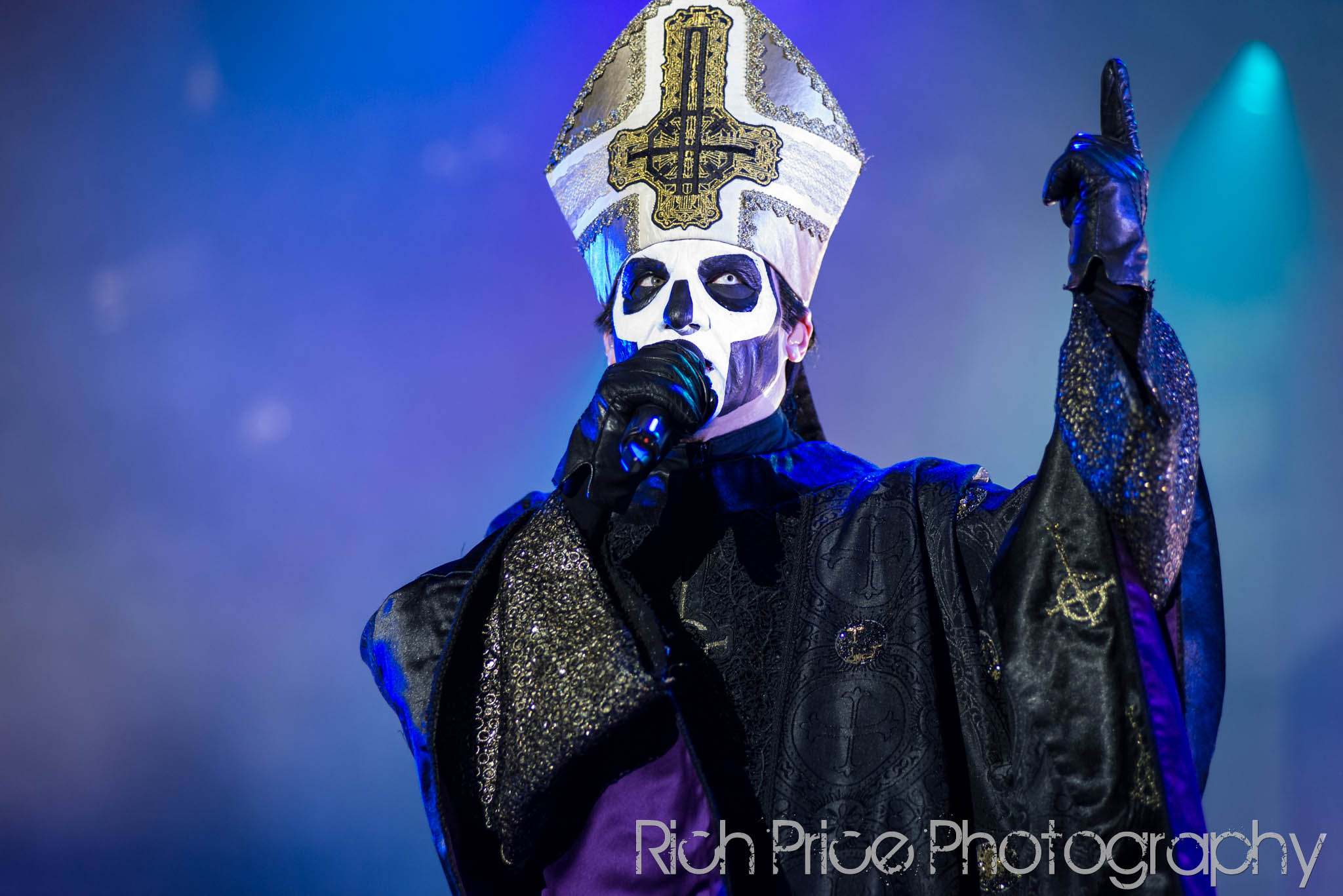 Ghost announce new us tour dates ghost cult magazine ghost teased a major announcement last week and here it is the band will be returning to the states in may for a special run of shows to introduce the new kristyandbryce Images